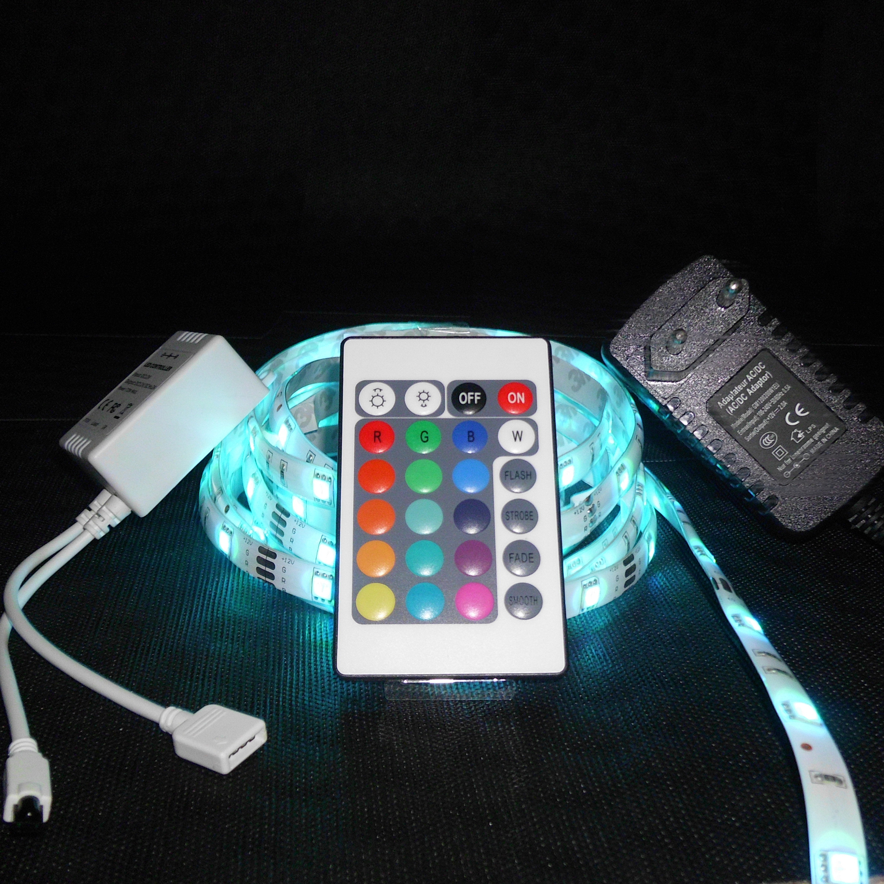 led lichtband 3 meter lang 5050 rgb fernbedienung netzteil controller ebay. Black Bedroom Furniture Sets. Home Design Ideas